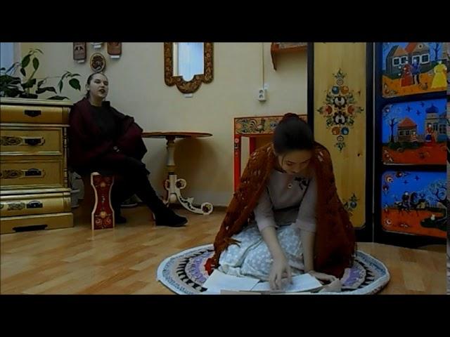 Изображение предпросмотра прочтения – ЛюдмилаВолкова читает произведение «Она сидела наполу…» Ф.И.Тютчева