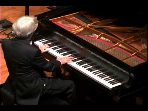 Edward Auer Live Peformance in Chicago
