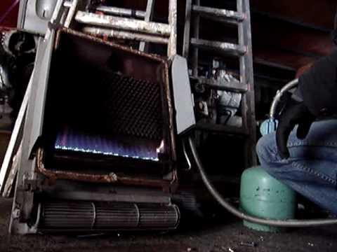 Nietypowy Okaz Grzejnik gazowy wewnętrzny 4,2 KW - YouTube AZ54