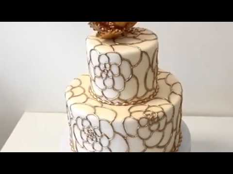 How To Make Cake Wedding Made With Fondant Icing And Gold Piping