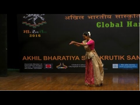 Kathak Performance in Pune 2016 by Aarya Padiyar