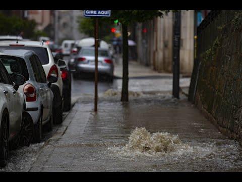 Atascos y calles inundadas en Ourense por una fugaz tormenta