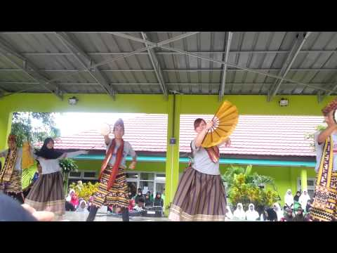 [AIESECUnila_YouthCanDo] Bedana Dance in Man1 Bandar Lampung, Indonesia