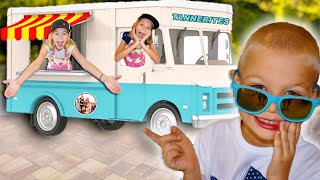Food TRUCK For Kids! 4 Kids Imagine Food Truck With Fun REAL FOOD!