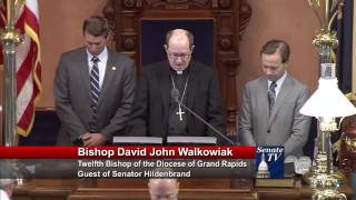 Sen. Hildenbrand welcomes Bishop Walkowiak to the Michigan Senate to deliver invocation