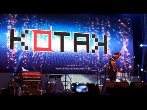 """KOTAK - """"Tinggalkan Saja"""" Live di Konser Big Bang Jakarta 2017 JIExpo"""