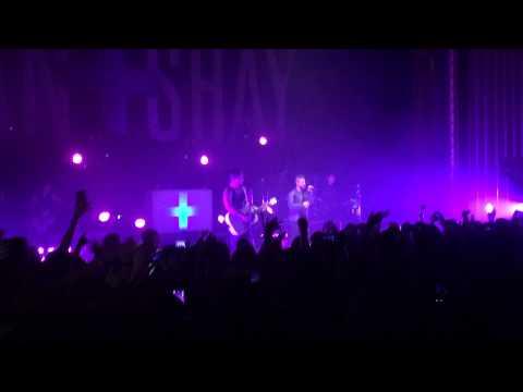 Party Girl- Dan + Shay (Royal Oak 4-24-2015)