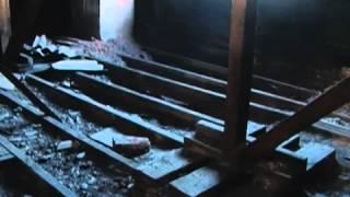 В Черногорске рушатся старые бараки