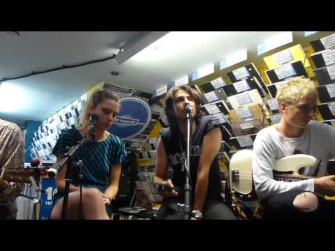 Wolf Alice - Swallowtail (Acoustic) (HD) - Banquet Records, Kingston - 02.07.15