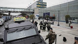 Совершивший нападение в аэропорту Орли кричал, что  готов умереть за Аллаха