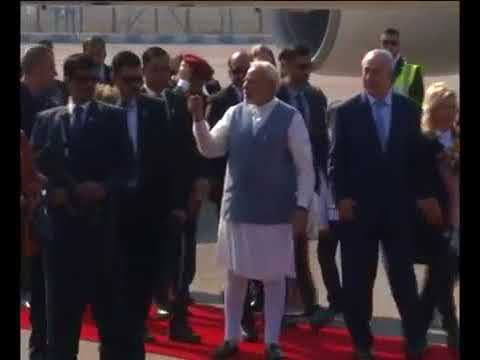 PM Modi receives Israeli PM Benjamvin Netanyahu at Delhi airport