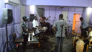 Joe Mettle @Rehearsal ..trying turning around with the band
