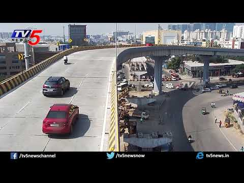 Top View : Hyderabad Gachibowli Biodiversity Flyover Car CCTV Footage | TV5 News