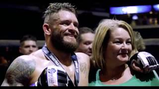 Former U.S. Navy SEAL competes in MMA