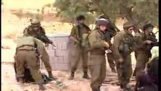 Repeat youtube video Israeli soldiers greeting Palestinian women