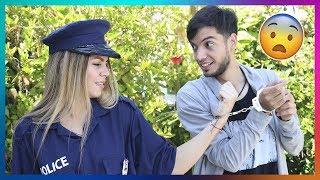 BROMA A UNA POLICIA SEXY POR WHATSAPP CON MEMES