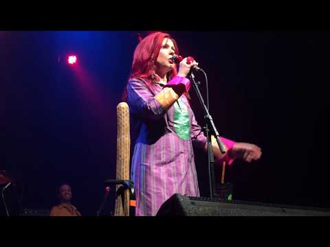 Candy - Iggy Pop cover by Kate Pierson - Athens, GA
