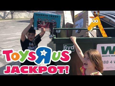 Kids Dumpster Diving Behind Toys R Us, Finds Unopen Toy For FREE - Toys R Us Closing Update