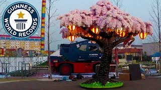 Largest LEGO® brick cherry blossom tree - Guinness World Records