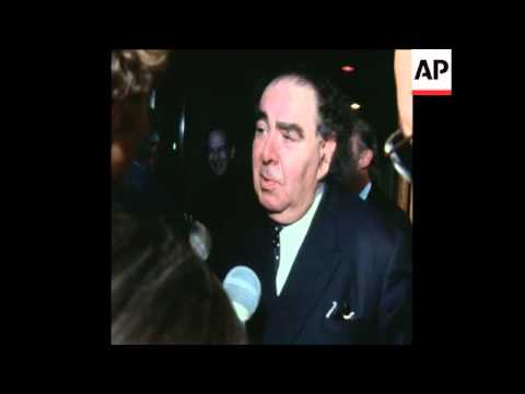 SYND 18-9-71LORD GOODMAN ARRIVES TO RHODESIA FOR TALKS ABOUT INDEPENDENCE