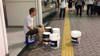 神業ドラマー渋谷に現る!!! The bucket drummer appears in Shibuya