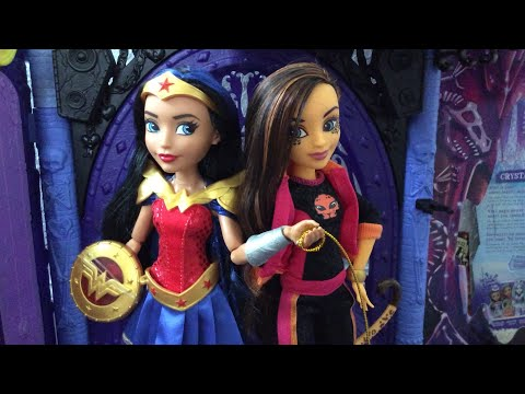 SDCC DC Superhero Girls Wonder Woman and Cheetah two pack doll review!
