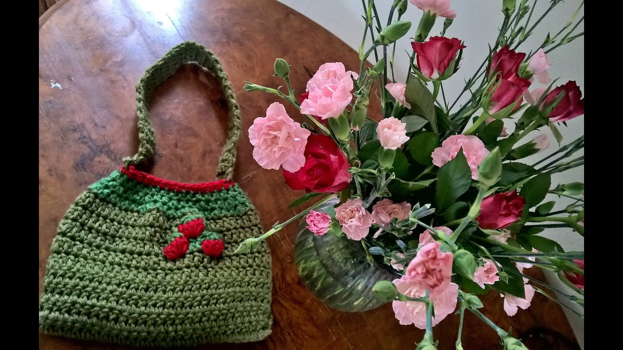 How To Crochet A Small Strawberry Bag For A Little Girl Youtube