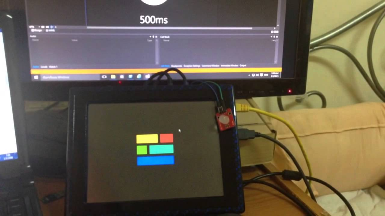 Raspberry Pi 2 runs Windows 10 IoT Core (Ex blinky)