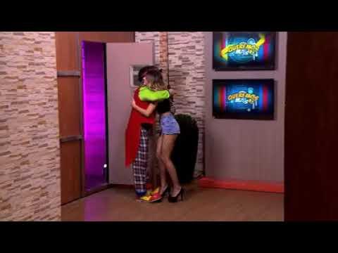 !Fabiola le enseña los calzones a pilin !