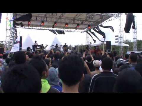 INDONESIA RAYA by IWAN FALS (konser JAMBORE Oi CELEBES)
