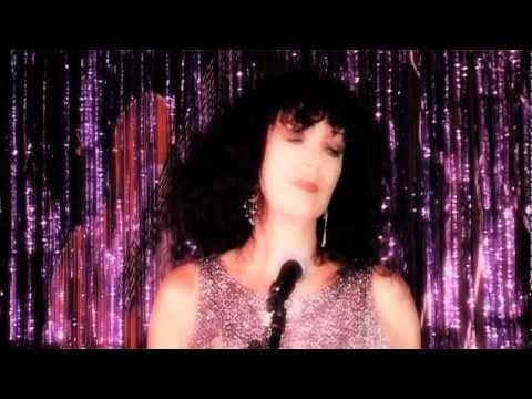 Maggie & Martin - 'Night Of A Thousand Stars' (Music Video).