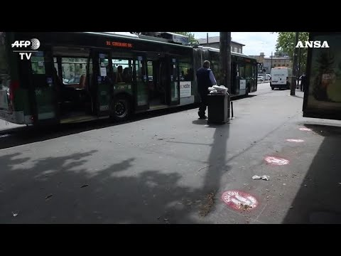 Mascherine su tutti i mezzi pubblici, marker sui sedili