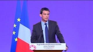 Conférence sociale: Valls annonce une baisse d