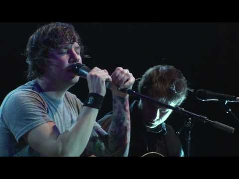 Download Lagu Simple Plan - Perfect (Acoustic) New Year's Live 2008