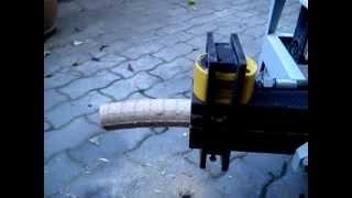 Repeat youtube video MiniBRIK - hidraulikus brikettáló működés közben