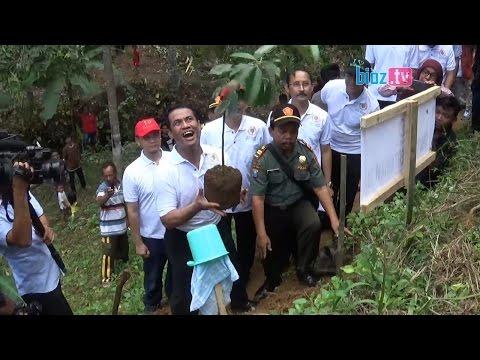 Aksi Menteri Pertanian Tanam Bibit Durian Di Tengah Hutan Trenggalek - bioz tv