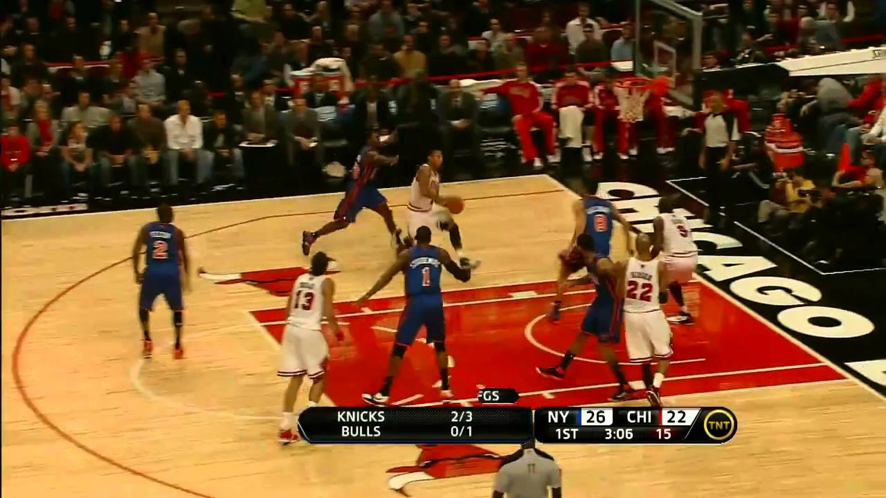 Dunk Of The Night Derrick Rose Insane Tomahawk Against Knicks In HD November 4 2010