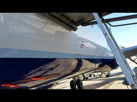Jet Blue boarding in Long Beach 1/29/17