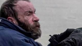 видео: ОН ВСЕГДА КИДАЛ МОНЕТЫ ЭТОМУ НИЩЕМУ,ВЫ НЕ ПОВЕРИТЕ ПРИ КАКИХ ОБСТОЯТЕЛЬСТВАХ ОН УВИДЕЛ ЕГО СНОВА