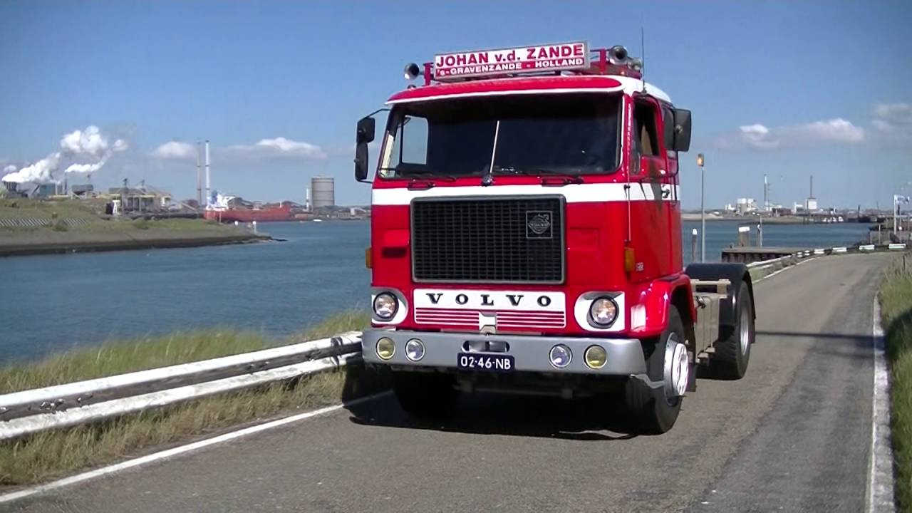 Historische VOLVO trucks in IJmuiden - YouTube