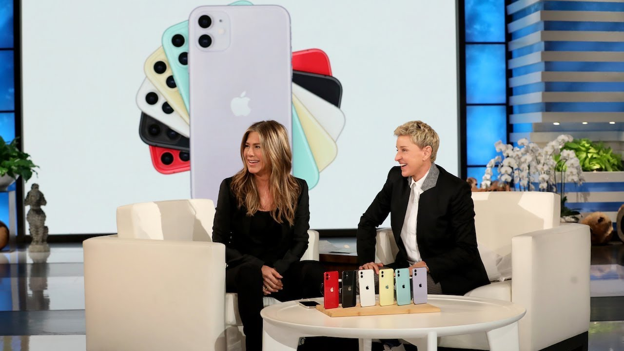 Jennifer Aniston One-Ups Reese Witherspoon with an Extraordinary Giveaway