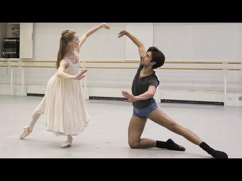 The Royal Ballet rehearse The Nutcracker 🎄