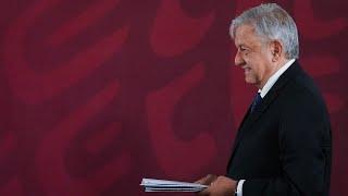 Firma de la carta compromiso de no reelección dirigida al pueblo de México. Presidente AMLO