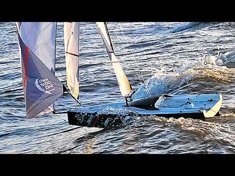 THE VOLVO OCEAN 65 - surfing with gennaker in the North Sea