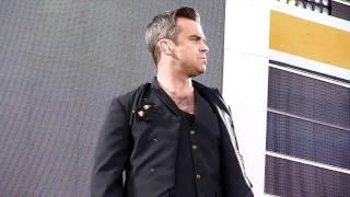 Robbie Williams Progress Live - Let Me Entertain You - Hampden Park Glasgow, June 23