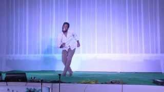 solo performance imitating hero