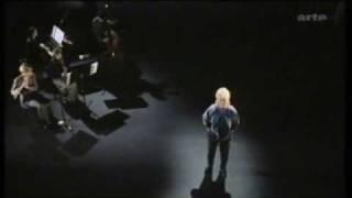 Hanns Eisler - Lob des Kommunismus - Carmen-Maja Antoni