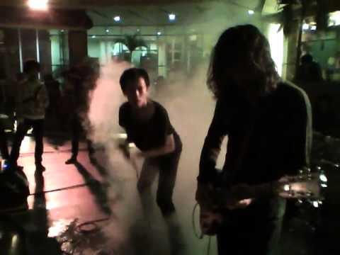 Jenny - Hari Terakhir Peradaban + Puisi  (Live @ teraskustik 30-04-2011).mp4