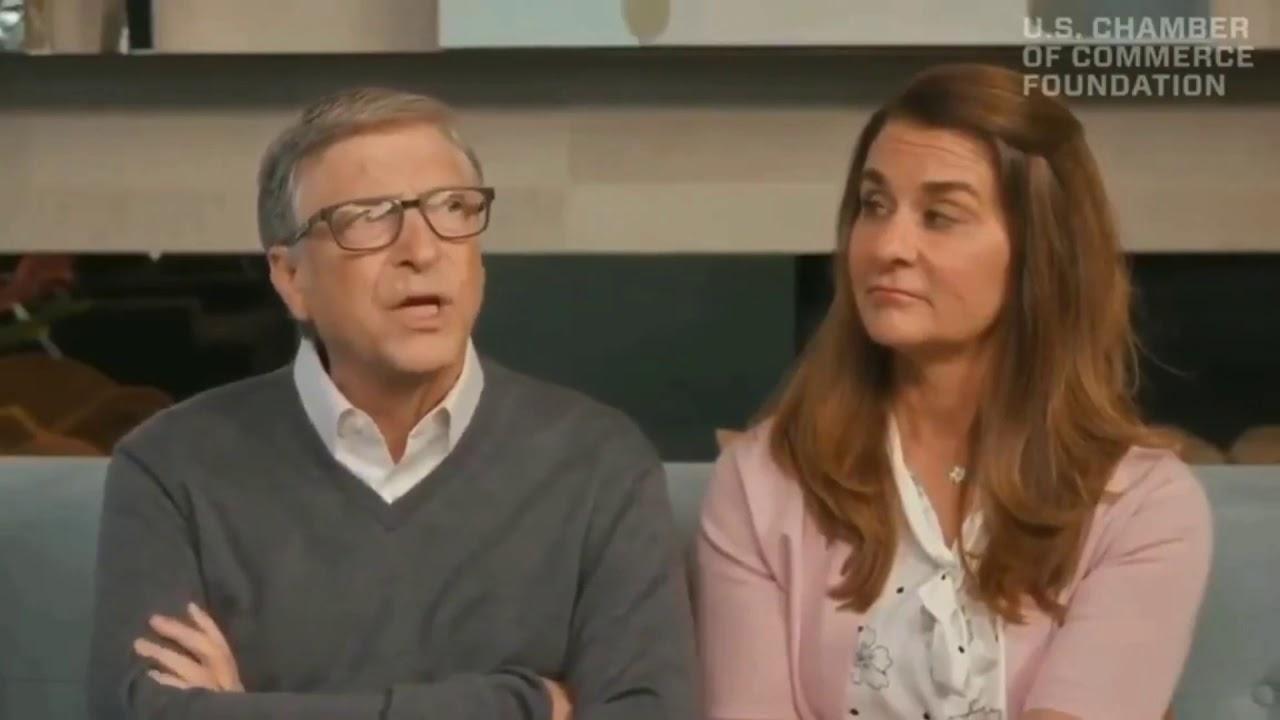 """Bill Gates y Melinda Gates se ríen de nosotros mientras habla del próximo """"Virus o Brote"""""""