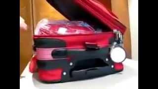 Как вскрывают чемодан с замками и без упаковки(Упаковка багажа в аэропортах России. Безопасность Вашего багажа - это наша работа!!! www.packandfly.ru PACK&FLY предост..., 2013-05-16T11:19:55.000Z)